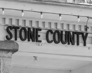 Stone-County-Courthouse-01010W.jpg