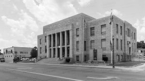 Dunklin-County-Courthouse-01007W.jpg