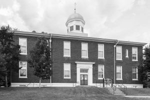 Historic-Dickson-County-Courthouse-01003W.jpg