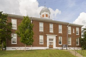 Historic-Dickson-County-Courthouse-01005W.jpg