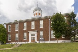 Historic-Dickson-County-Courthouse-01008W.jpg