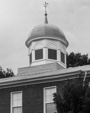 Historic-Dickson-County-Courthouse-01010W.jpg