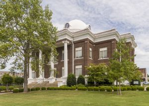 Dyer-County-Courthouse-01003W.jpg