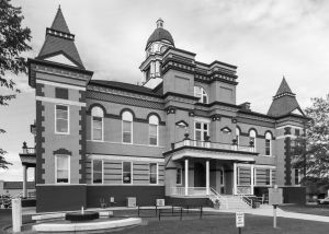 Gibson-County-Courthouse-01004W.jpg