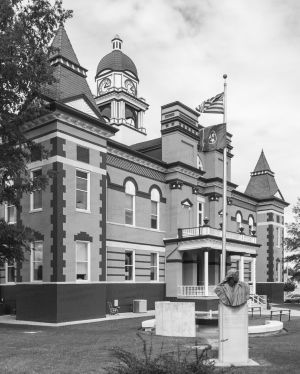Gibson-County-Courthouse-01005W.jpg