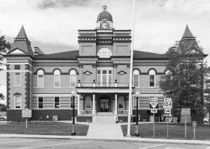 Gibson-County-Courthouse-01008W.jpg