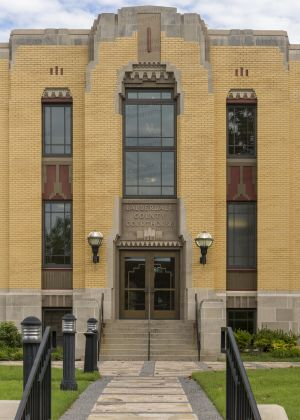 Lauderdale-County-Courthouse-02010W.jpg