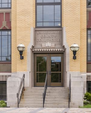 Lauderdale-County-Courthouse-02011W.jpg