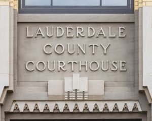 Lauderdale-County-Courthouse-02013W.jpg