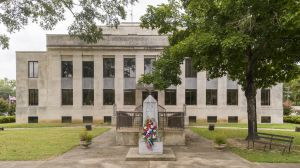 McNairy-County-Courthouse-01003W.jpg